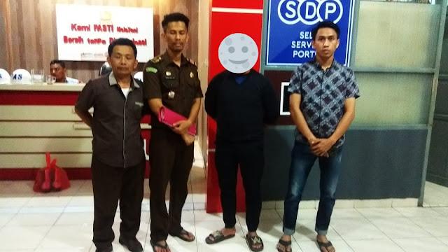 Kejari Bantaeng Eksekusi Mantan Direktur Perusda Bantaeng di Lapas Makassar