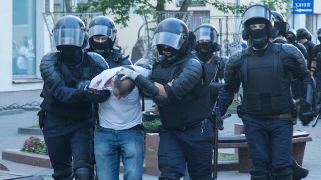 """""""Не хочу жити у великій в'язниці"""". Протести в Білорусі очима учасників"""