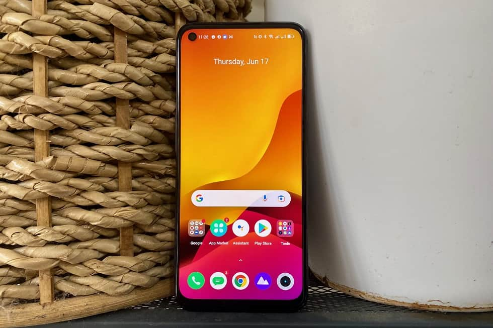 realme 8 5G Initial Impressions: Display