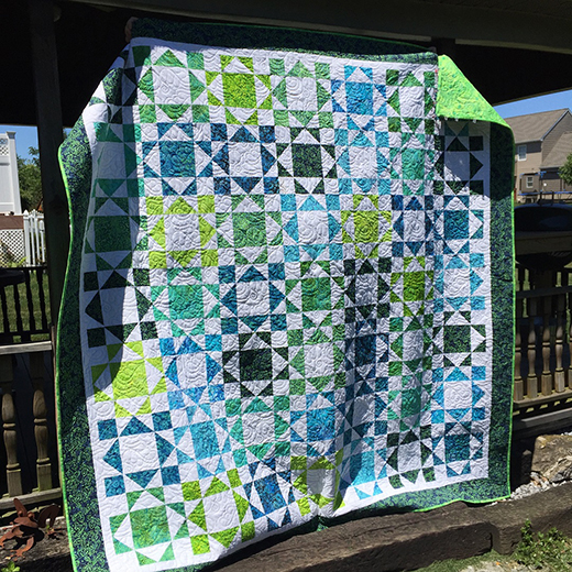 Half and Half Quilt Designed by Pamela Santacroce, The Tutorial by Jenny Doan of Missouri Star Quilt Co