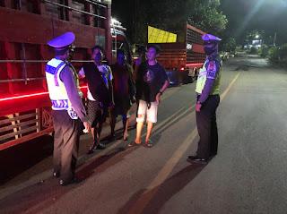 Berikan Rasa Aman Dan Nyaman Di Malam Hari Personil Satlantas Polres Enrekang Lakukan Patroli Biru