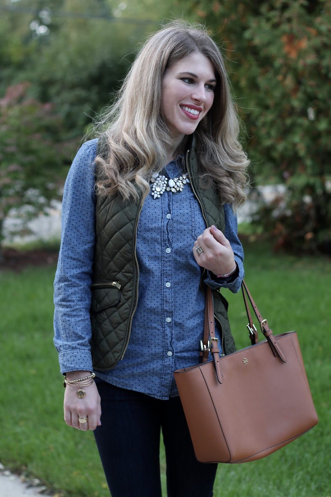 polka dot chambray, olive quilted vest, Express mid-rise dark skinny jeans, leopard flats, Tory Burch tote, casual fall outfit