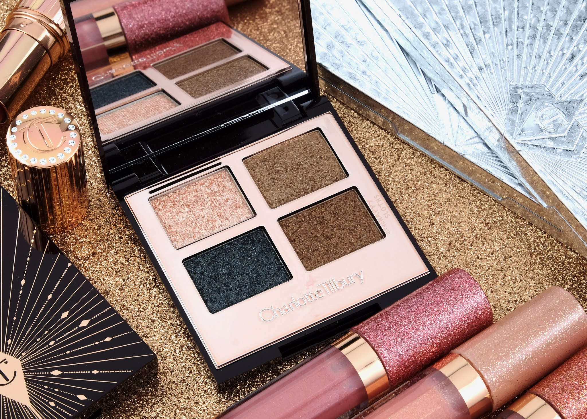 "Charlotte Tilbury | Holiday 2020 ""Dazzling Diamonds"" Luxury Palette of Pops: Review and Swatches"
