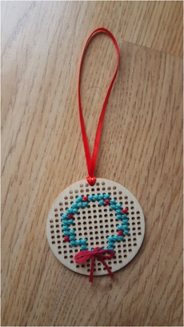 Cross stitched wooden Christmas wreath ornament - with free pattern