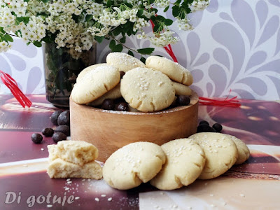 Chałwowe ciasteczka z pastą tahini