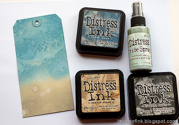 Layers of ink - Old Spooky House Tutorial by Anna-Karin Evaldsson. Ink a tag with distress ink.