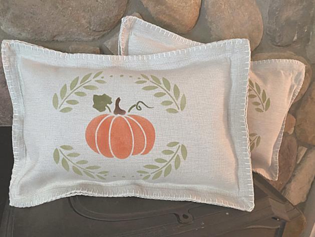 Placemat pillow with pumpkin