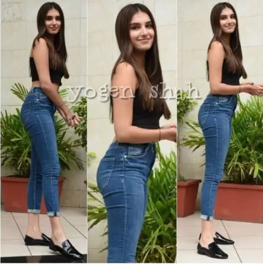tara-sutaria-in-jeans-flaunted-back