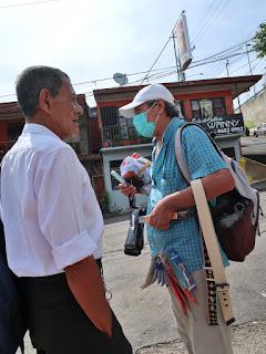 Man and Street Vendor in Santiago de Puriscal