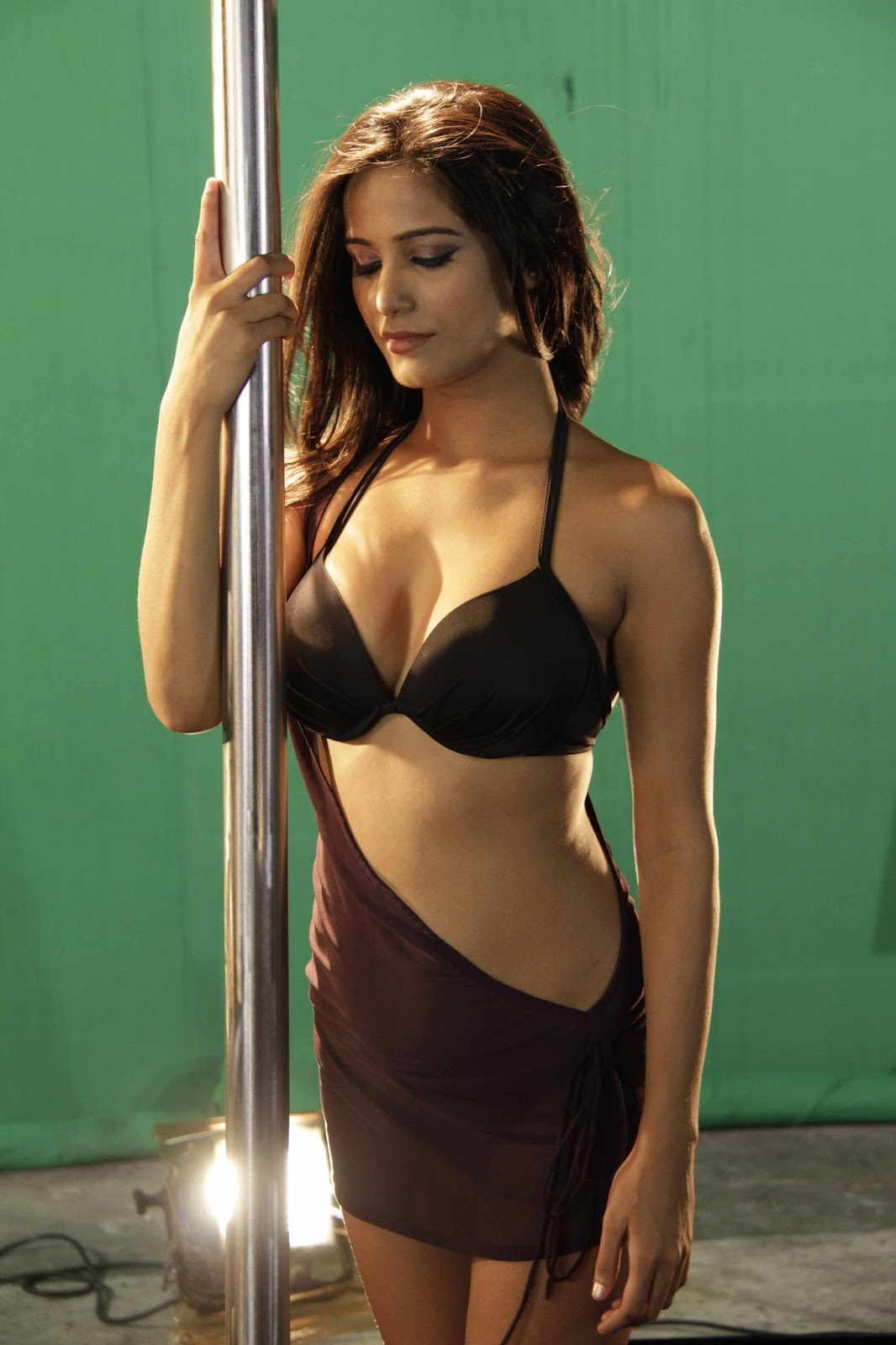 Dimple Girl Wallpaper High Quality Bollywood Celebrity Pictures Poonam Pandey
