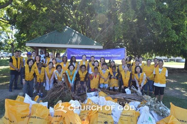 Hanlon Park Cleanup in Celebration of the Passover, Brisbane