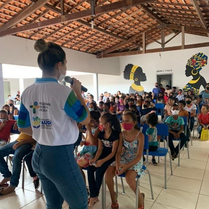 A Equipe de Saúde de Mata Roma esteve nas escolas Rufina Albuquerque Dutra - Mata do Brigadeiro e na Escola Alfredo Dualibe - Cidade Nova