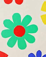 http://www.manualidades.tv/2013/09/05/crea-una-pared-llena-de-flores/