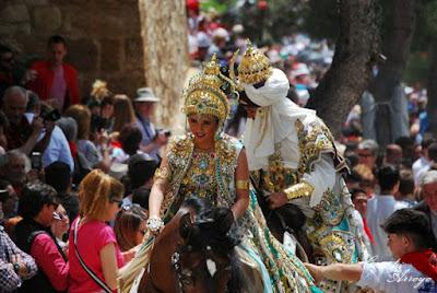 Capitanes del bando Moro en las fiestas de Caravaca que coinciden con la de los Caballos del vino