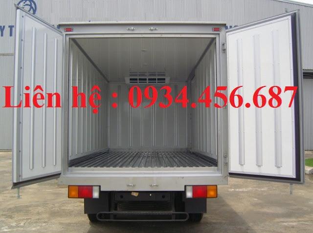 Xe tải Hyundai 110s đông lạnh