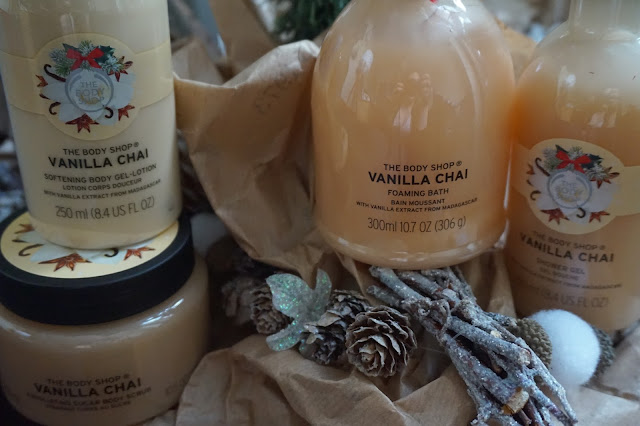the_body_shop_vanilla_chai_gel_douche_exfoliant_bain_moussant_lotion_corporel_revue_avis_routine_cocooning_01