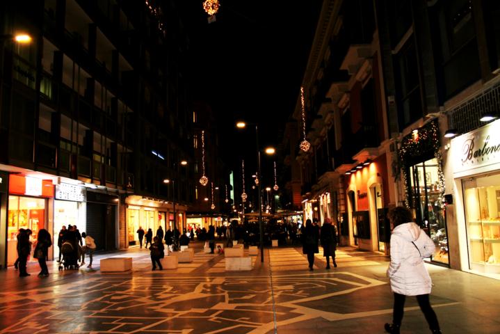 Via Sparano Bari, centro, Bari, Natale a Bari 2017, gente, luminarie, luci, di Natale