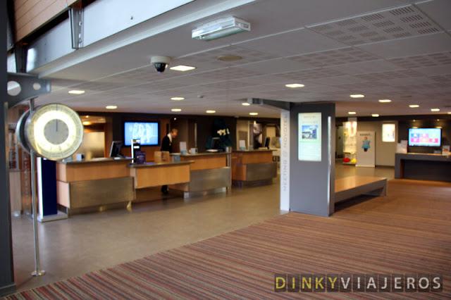 Hotel Novotel Brussels Airport. Recepción