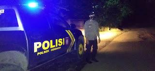 Menemalisir Terjadinya Gangguan Kamtibmas, Polsek Cendana Polres Enrekang Melaksanakan Patroli Blue Light