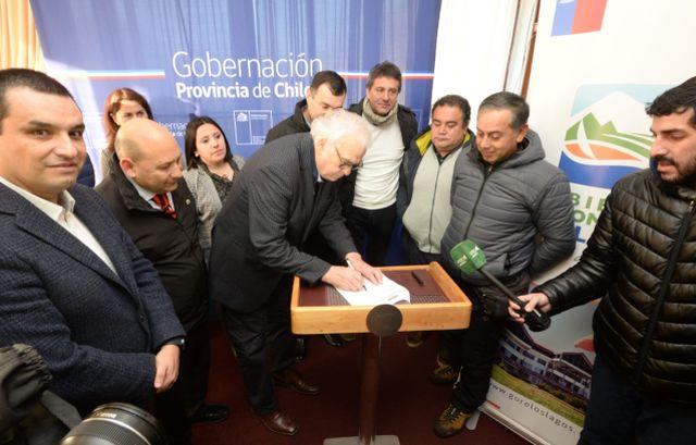 IND firma contrato con empresa que se adjudicó proyecto en Castro