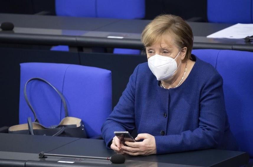 Η Μέρκελ επιβεβαίωσε ότι δεν θα είναι ξανά υποψήφια καγκελάριος