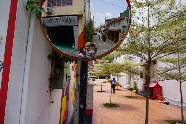Singapore/Malaysia Best Travel Blogger - Evilbean