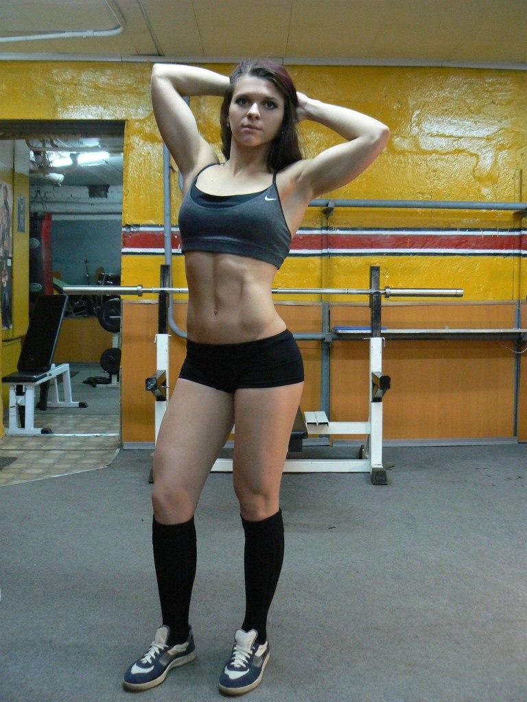 частные фото девушек в спортзале своими