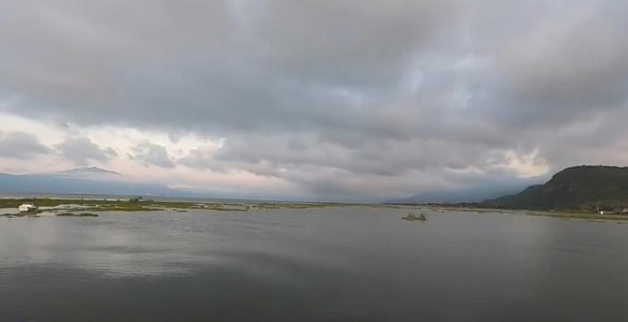 Lago de Chapala con Cielo con Nubes