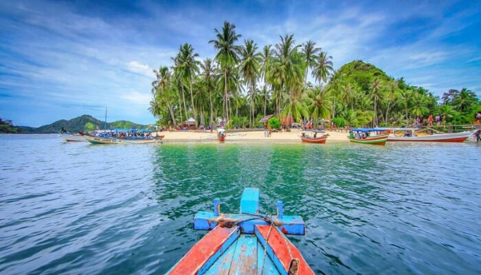 Abe Tour Padang 5d4n Padang Bukittinggi Pulau Mandeh Package