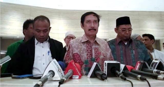 Rektor Ini Bilang Yang Dibunuh Bukan Petani, Tapi Preman Yang Sangat Meresahkan!