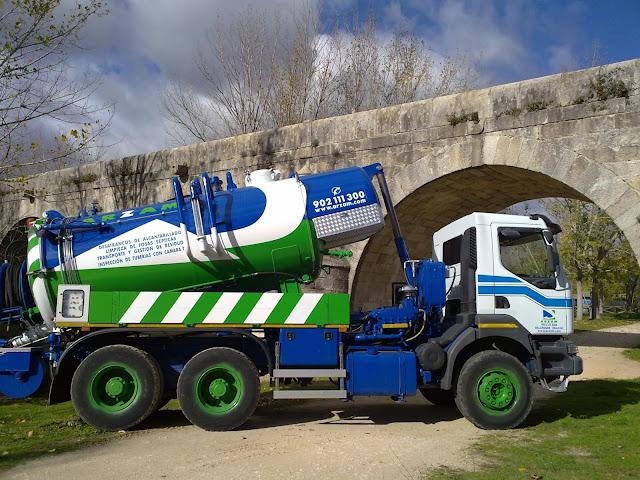 Desatascos con camión cuba Segovia