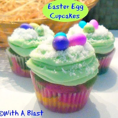 Easter Egg Cupcakes ~ Easter fun treat ! www.withablast.net