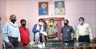 उत्तर प्रदेश अपराध निरोधक समिति ने जेल में दिया राहत सामग्री   #NayaSabera