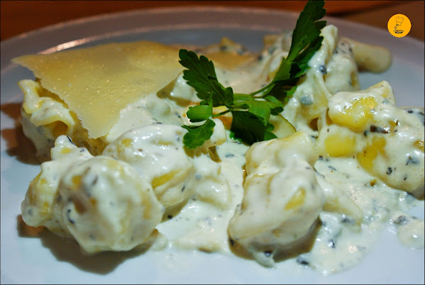 Fagottini di zio Andrea (rellenos de pera con queso y salsa de trufa) en Casa dei Pazzi Madrid Chueca