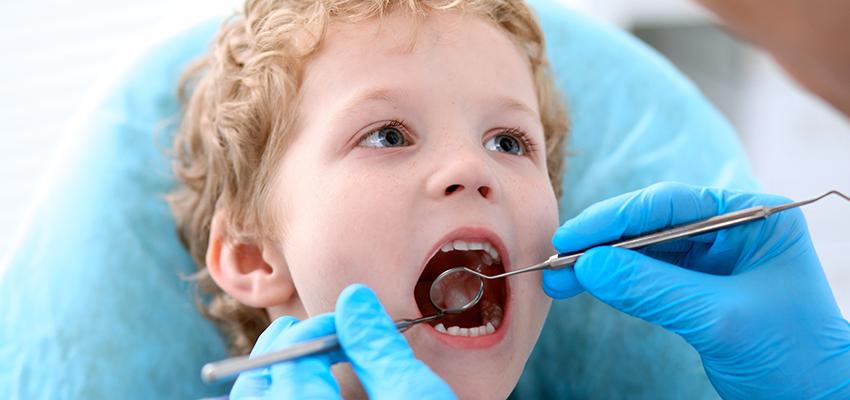 Acompanhamento odontológico na infância