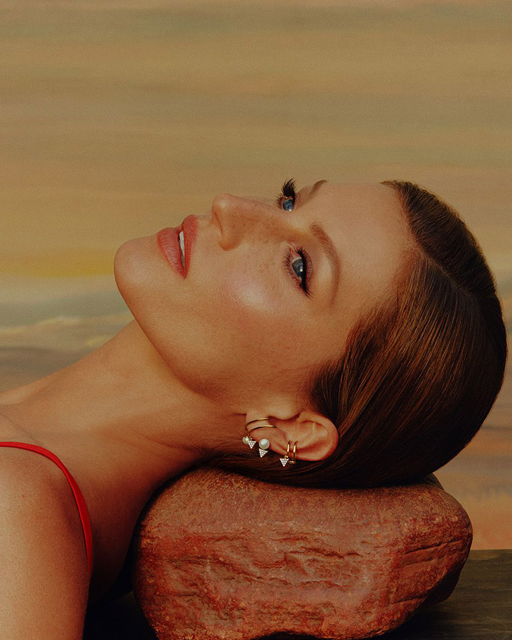 Gisele Bündchen is the Face of Vivara Mother's Day 2021 Collection
