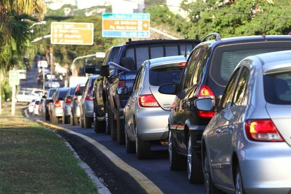 Mudanças no Código de Trânsito começam a valer neste mês.