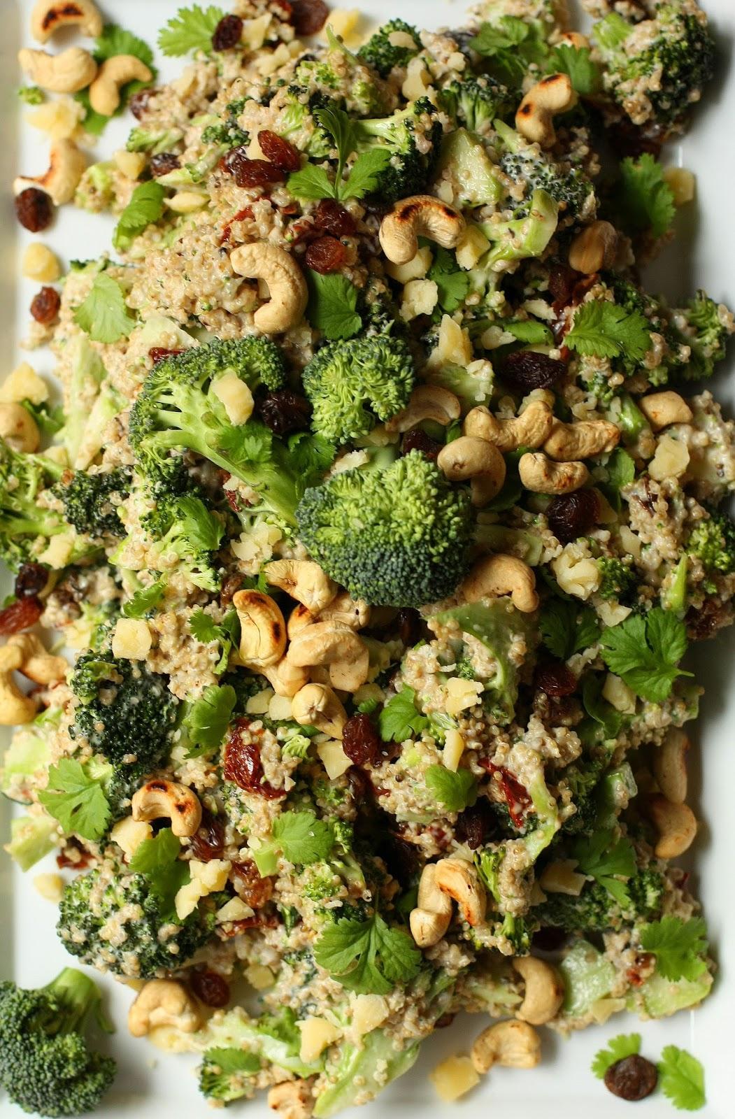 parsakaali-kvinosalaatti parsakaali sesonki satokausi vihannes salaatti kvinoa mallaspulla resepti