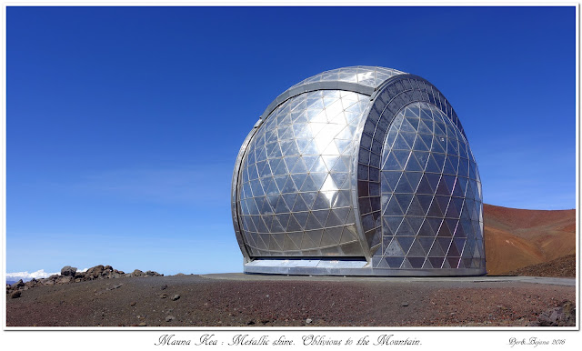 Mauna Kea: Metallic shine. Oblivious to the Mountain.