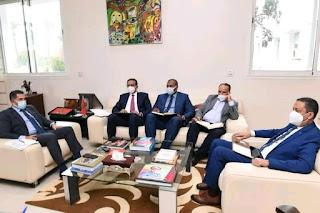 """أمزازي يعد التنسيق النقابي الثلاثي بأجوبة على مطالبه بعد """"فاتح ماي"""""""