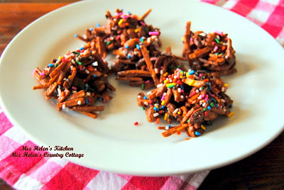 Chunky Haystacks with Shoestring Potatoes at Miz Helen's Country Cottage