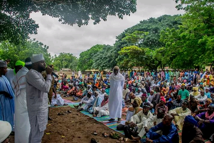 Oyo State Speaker Rt Hon Ogundoyin Adebo Celebrates Eid Al Adha With His Home Town People in Eruwa also Prays With Them See Photos2