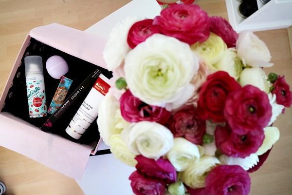 Glossybox Mai - Love, Peace &Beauty | www.josieslittlewonderland.de, unboxing glossybox mai, beauty