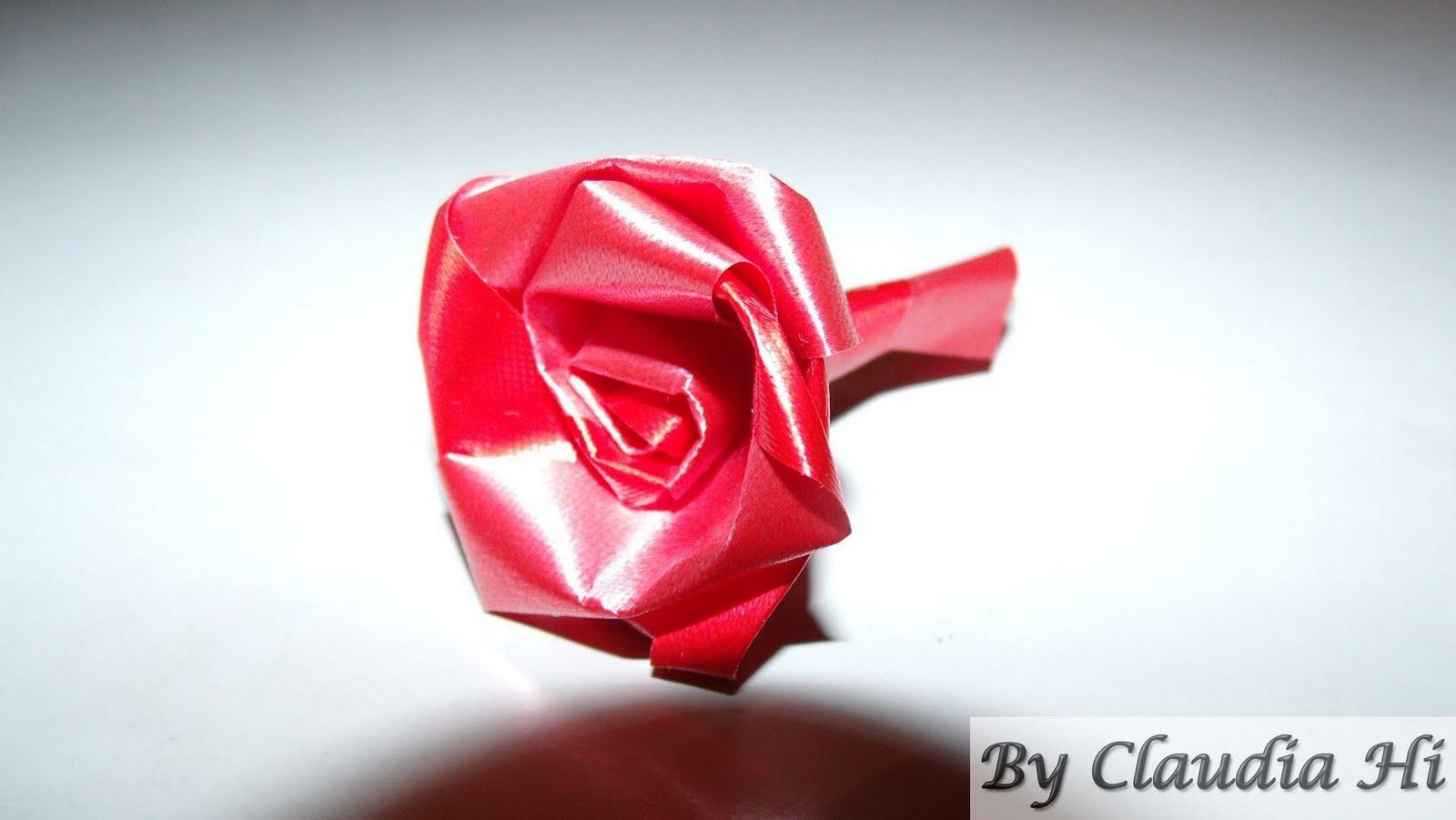 rosa de fita decorativa vermelha