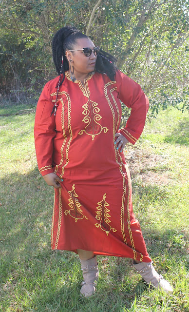 How to style a caftan. Affordable bohemian fashion. Plus size bohemian fashion. Boho clothing plus size, plus size boho maxi dresses, plus size hippie clothing,  plus size bohemian maxi dresses,  plus size bohemian clothing cheap,  boho dresses in extended sizes, wearing caftans, how to style a kaftan, quirky fashion, eccentric fashion, eccentric fashion for women #boho #bohemian