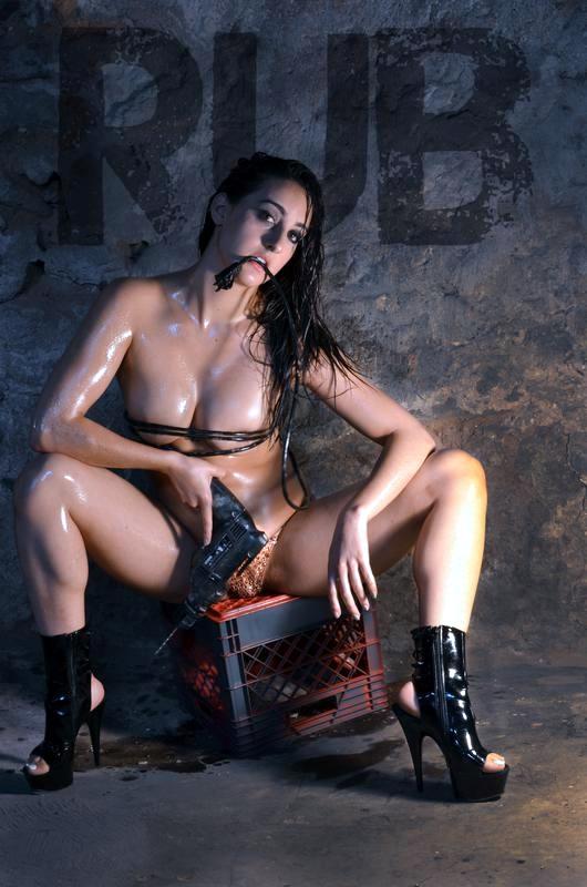 courtney lapresi nude