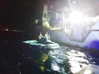 Kapal Perang TNI AL KRI Soputan-923 Laksanakan SAR Peristiwa Kapal Tenggelam KMP Yunice