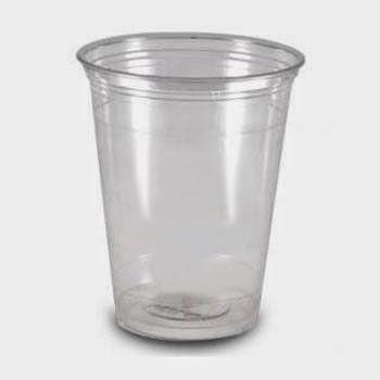 Cara Minum Peninggi Badan dengan Gelas Plastik