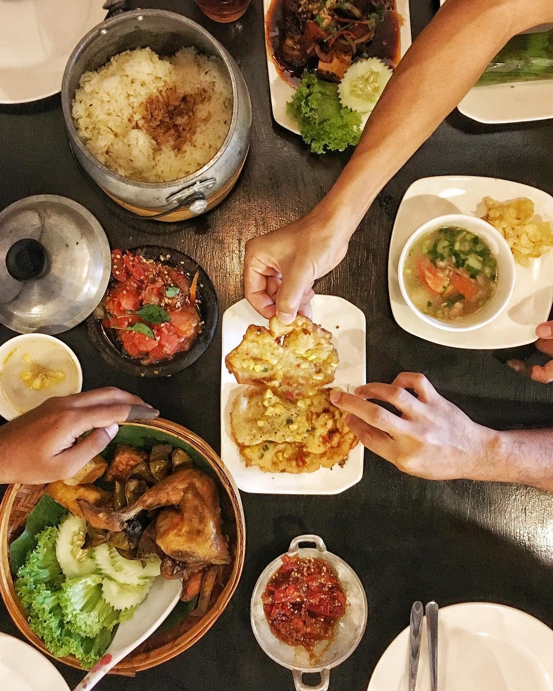 4 Rumah Makan Lesehan Khas Sunda Di Kota Garut Magerzone Com