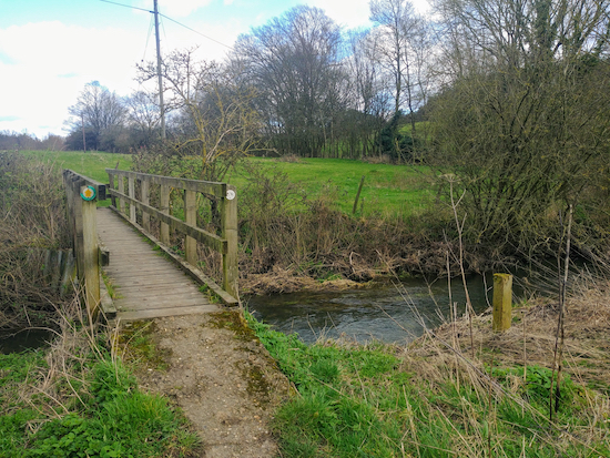 The footbridge over the River Ash, mentioned in point 6 above  Image by Hertfordshire Walker released via Creative Commons BY-NC-SA 4.0